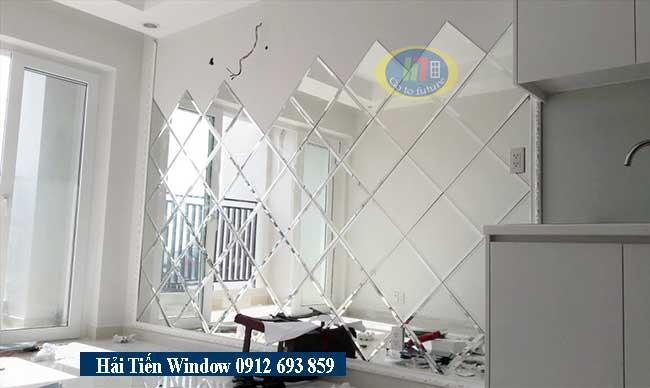Gương trang trí, gương ghép, gương ốp tường phòng khách sang trọng