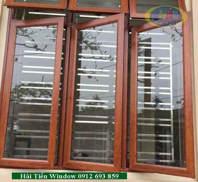 Cửa sổ nhôm vân gỗ thiết kế đẹp