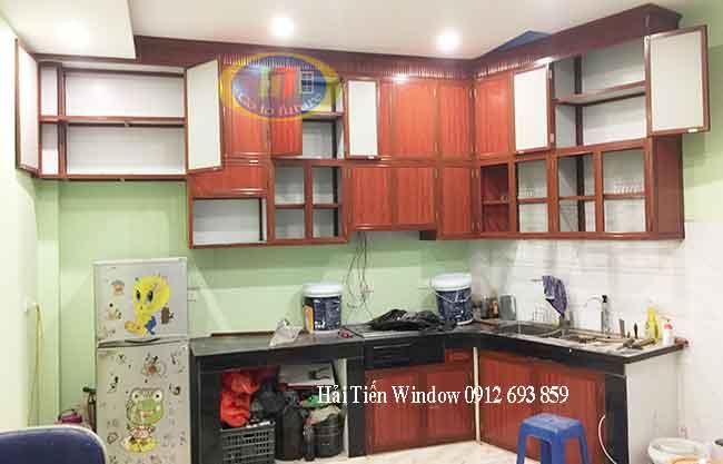 Tủ bếp nhôm vân gỗ thi công tại Nguyễn Xiển