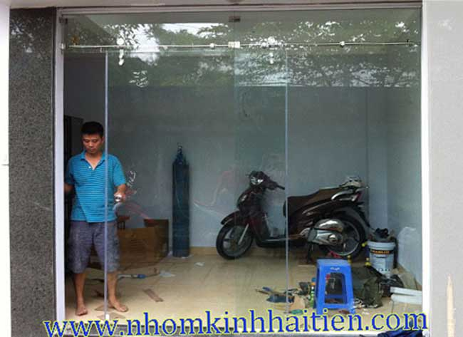 Cửa kính lùa ray inox giá rẻ nhất Hà Nội