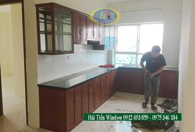 Thi công tủ bếp nhôm giả gỗ cao cấp tại chung cư
