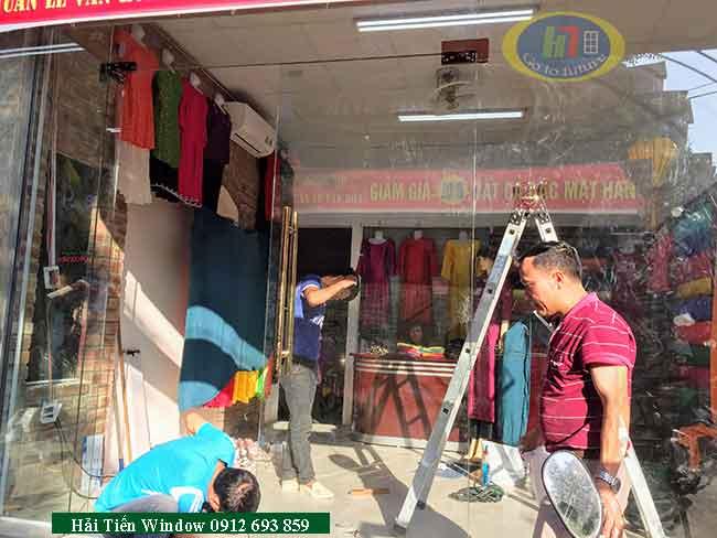 Mẫu cửa kính thủy lực tốt nhất tại Nguyễn Xiển