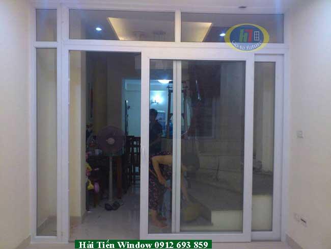 Cửa Việt Pháp hệ nhôm màu trắng sứ 4400 trượt lùa
