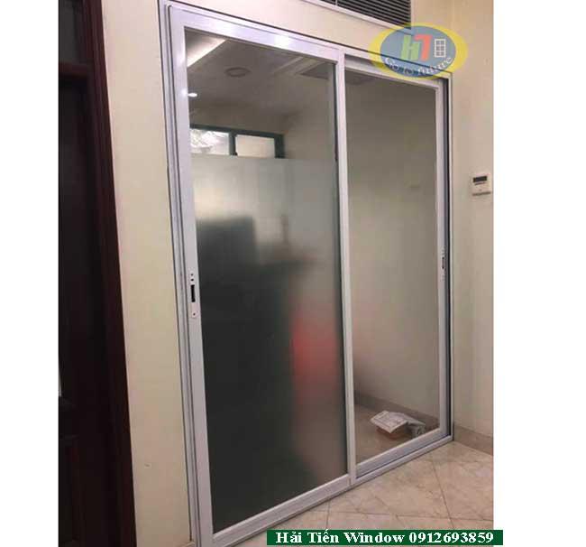 Cửa nhôm trượt phòng ngủ Việt Pháp 4400 tiết kiệm