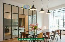 Vách ngăn kính phòng khách và bếp