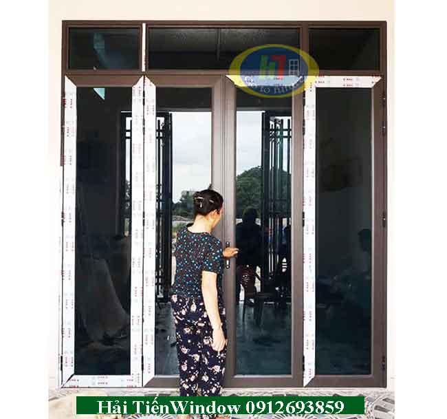 Cửa nhôm kính Việt Pháp bền đẹp, chống va đập trầy xước