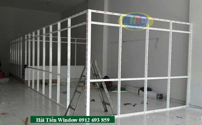 Thi công, lắp đặt vách ngăn văn phòng nhôm kính tại Nguyễn Trãi