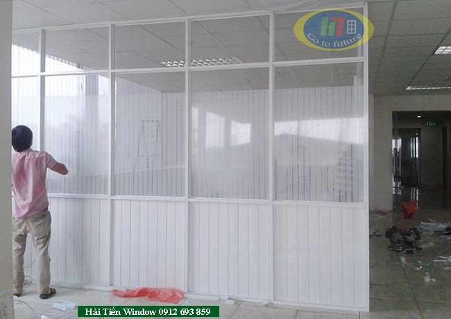 Vách ngăn hệ nhôm định hình cho văn phòng tại Trần Duy Hưng